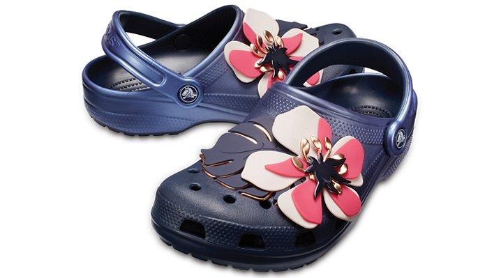 【クロックス公式】 クラシック ボタニカル フローラル クロッグ Classic Botanical Floral Clog ユニセックス、メンズ、レディース、男女兼用 ブルー/青 22cm,23cm,24cm,25cm clog クロッグ サンダル