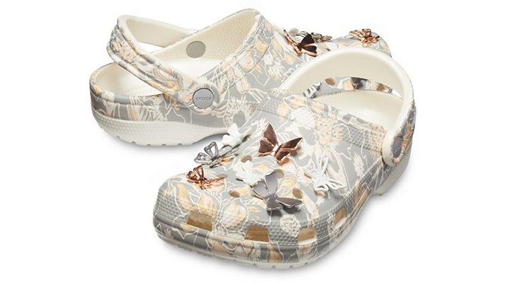 【クロックス公式】 クラシック ボタニカル バタフライ クロッグ Classic Botanical Butterfly Clog ユニセックス、メンズ、レディース、男女兼用 ブラック/黒 22cm,23cm,24cm,25cm clog クロッグ サンダル