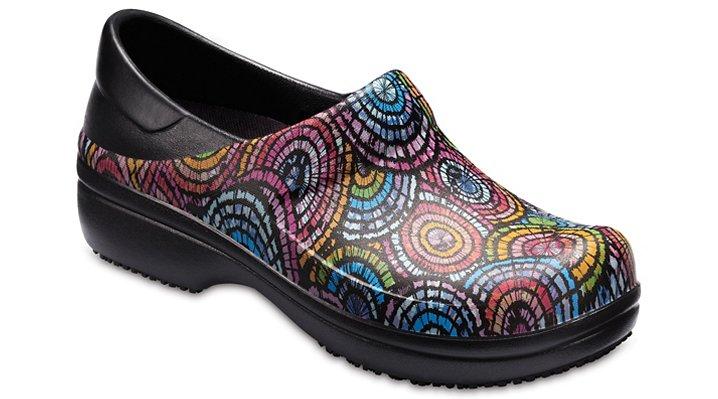 Crocs Pfd Black / Multi Women's Neria Pro Graphic Clog Shoes