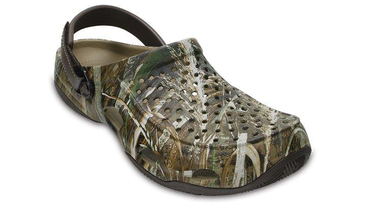Crocs Espresso Men's Swiftwater Deck Realtree Max-5® Clog Shoes