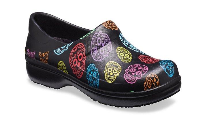 Crocs Pfd Multi / Black Women's Neria Pro Graphic Clog Shoes