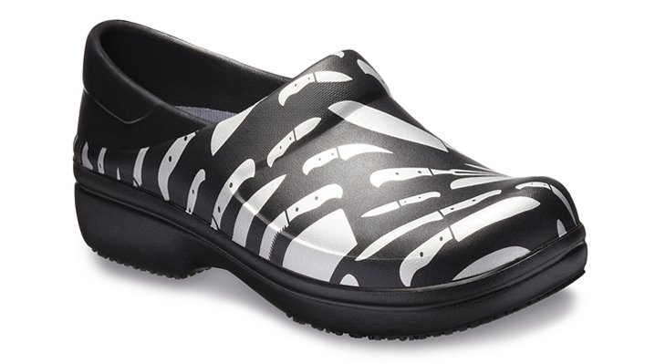 Crocs Pfd Silver / Black Women's Neria Pro Graphic Clog Shoes