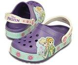 Sabot Fête givrée de Frozen™ CrocsLights pour enfant