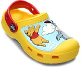 Una reseña de producto de  Creative Crocs™ Winnie the Pooh™ Jumps Clog