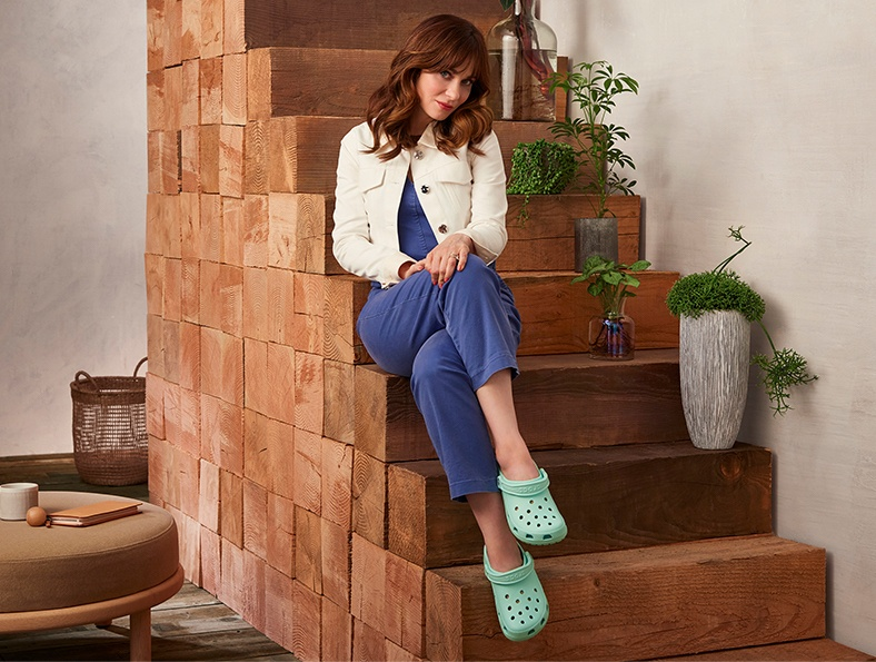 Classic Clog in Neo Mint.