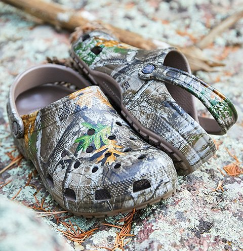 Classic Realtree Edge® Clog in Walnut.
