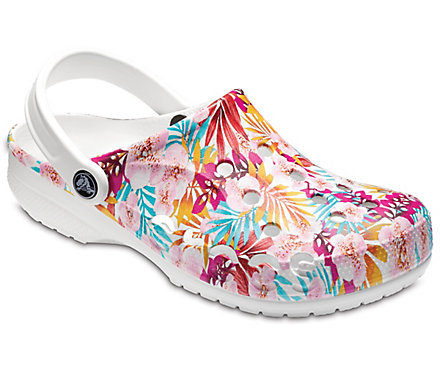 Crocs: 40% off on Select Sale Styles