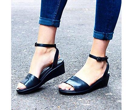 Crocs Leigh-Ann Ankle Strap Leather HuVYlfX1yb