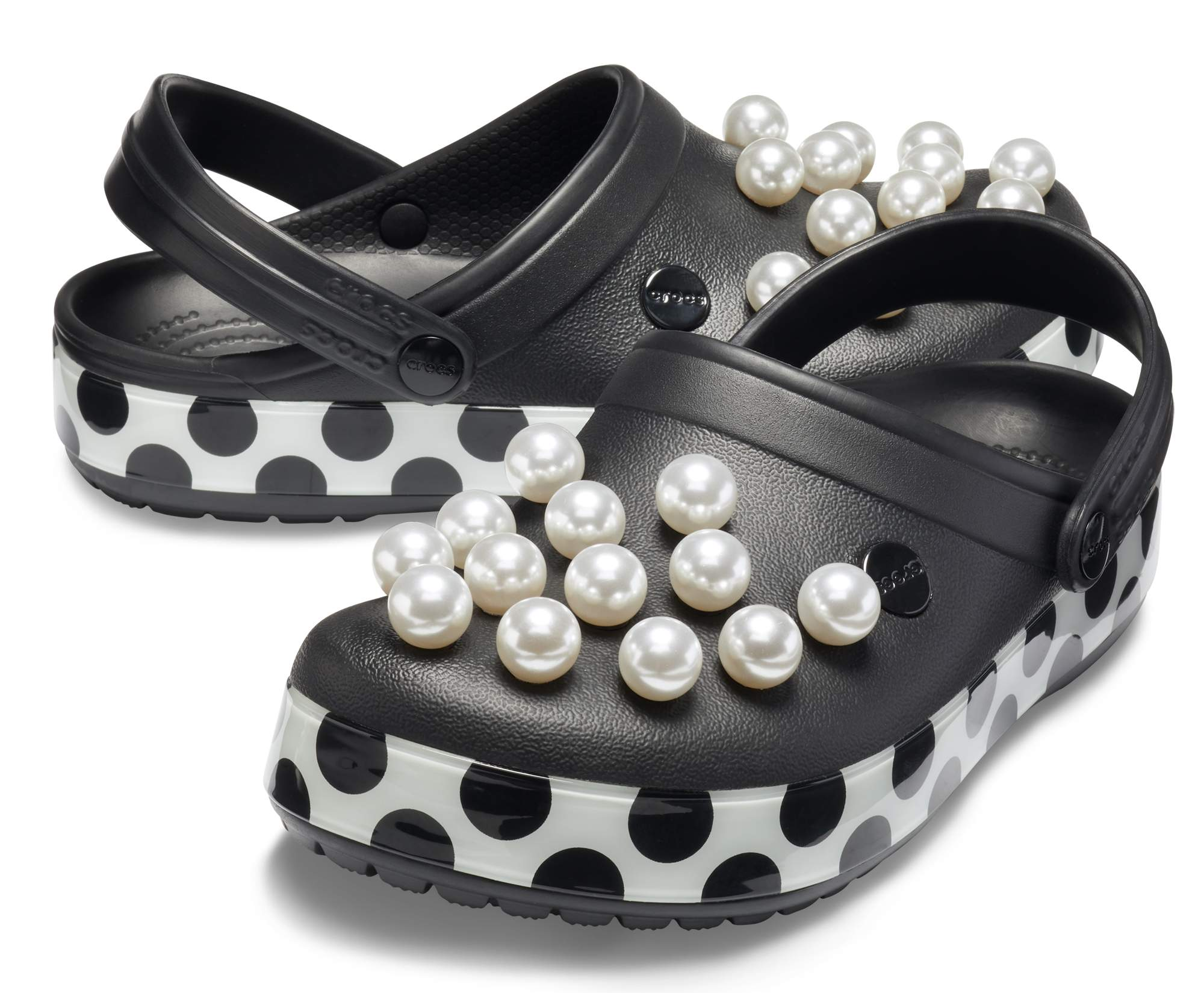 crocband timeless clash pearls clog