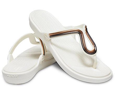 ee3a1c0dbfff Women s Sanrah Metal-Block Flat Flip - Crocs