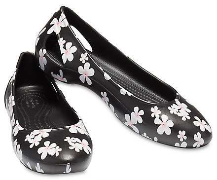1408a154278b54 Women s Crocs Laura Seasonal Graphic Flat - Crocs