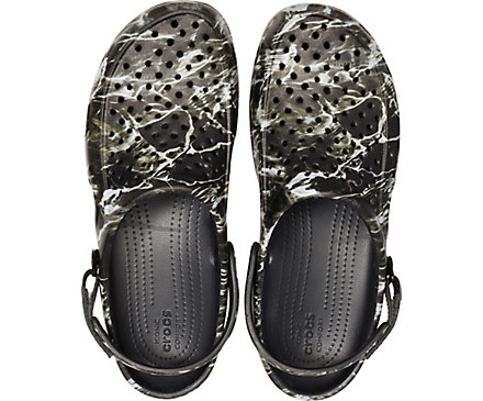 18b2ae62497e Men s Swiftwater™ Mossy Oak® Elements™ Deck Clog - Crocs