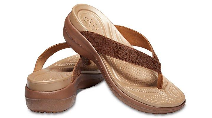 Crocs-Womens-Capri-Metallic-Texture-Wedge-Flip thumbnail 15