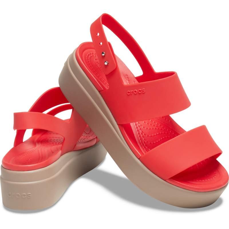 [クロックス公式] サンダル クロックス ブルックリン ロー ウェッジ ウィメン レディース、ウィメンズ、女性用 レッド/赤 25cm Women's Crocs Brooklyn Low Wedge