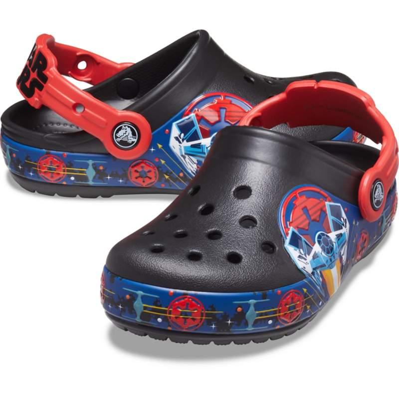[クロックス公式] クロッグ クロックス ファン ラブ 「ダース・ベイダー™」 ライトクロッグ ボーイズ、キッズ、子供用、男の子 ブラック/黒 15cm Kids' Crocs Fun Lab Lights Clog 'Darth Vader'