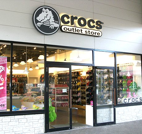 Crocs storefront. Your local Shoe Store in 栃木県, .