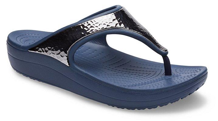 2f7518c1f25de1 Women s Crocs Sloane Hammered Metallic Flip - Crocs
